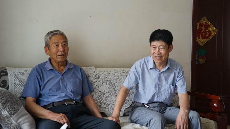 调整大小 党委副书记张宝成看望退休党员孙德宽.JPG